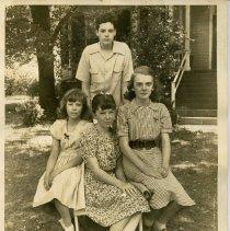 Image of 2014.15.06 - Alice Kinter Family Photographs