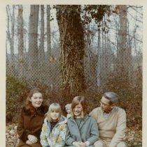 Image of 2014.15.09 - Alice Kinter Family Photographs