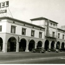 Image of Print, Photographic - B&W postcard of the Hotel Atascadero, circa 1940s.