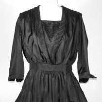 Image of 2000.161 - Dress, Day