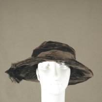 Image of H2002.052 - Hat