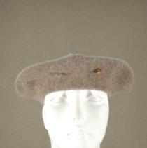 Image of H2002.061 - Hat