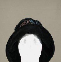 Image of H2002.265 - Hat