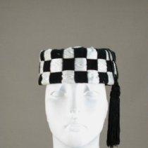 Image of H2002.299 - Hat