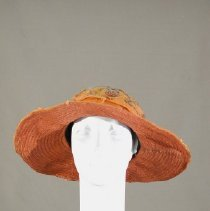 Image of H2002.300 - Hat