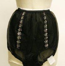 Image of 2008.06.005 - Underwear