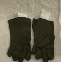 Image of 2008.09.035AB - Glove