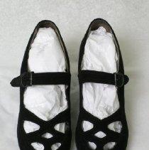 Image of 2009.03.015AB - Shoe