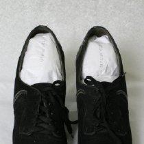 Image of 2009.03.016AB - Shoe