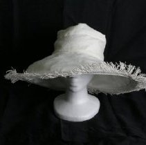 Image of H2002.288 - Hat