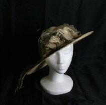 Image of H2002.338 - Hat