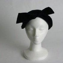 Image of H2002.386 - Hat