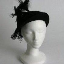 Image of H2002.387 - Hat