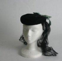 Image of H2004.038 - Hat