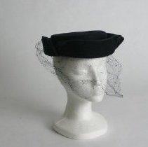 Image of H2004.095 - Hat
