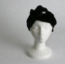Image of H2004.125 - Hat