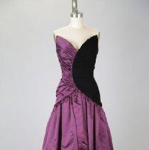 Image of 2013.08.006 - Dress