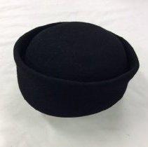 Image of H2002.442 - Hat