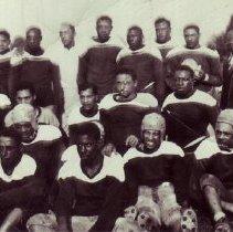 Image of 1940 Football Team