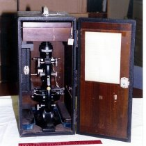 Image of American Optical Co. Spencer Polarizing Microscope