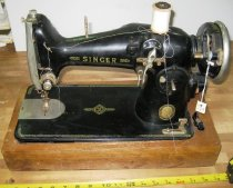 Image of 03.0024.001 - Singer Sewing Machine
