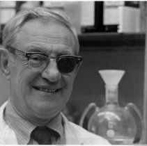 Image of Dr. Julius Axelrod Collection - Dr. Julius Axelrod in his laboratory