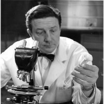 Image of National Institute of Allergy and Infectious Diseases - Dr. Robert Huebner in the laboratory