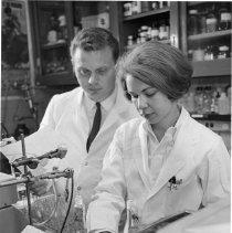 Image of NIAMD laboratory technician and Dr. David Smith