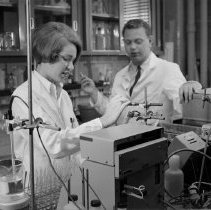 Image of Dr. Dave Smith and laboratory technician