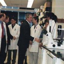 Image of NIH Campus Visits - President George W. Bush visits the NIAID laboratory