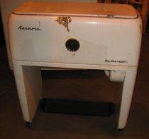 Image of 09.0001.001 - Kenmore Tip-Toe-Matic Iron, Model 110-543690