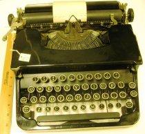 Image of 11.0003.035 - Typewriter