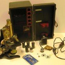 Image of Ernst Leitz Monocular Microscope open