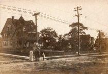Image of 2006.185.15 - Broad & Park Avenues circa 1910.