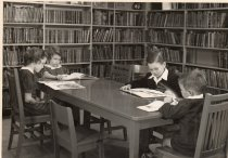 Image of 2006.19.3.12.28 - Children in the old Leonia Library.