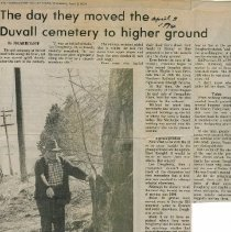 Image of Ralph Taylor pointing to the gravesite of a Civil War veteran