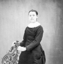 Image of 3333.027 - Young Woman