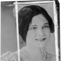 Image of 5822.290 - Miss Edythe V. Minter