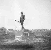 Image of 6626.039 - John Burns Statue