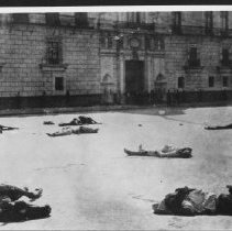 Image of Mexico - Bodies in the street 1910 - 1920 - Stumberg Family Collection