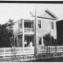 Image of Postcard of the Gus Knippenberg Home, Wentzville, MO, to Aunt Mary with love from Laura 1906 - Corine Gruenberg Collection