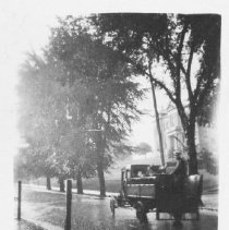 Image of Truck in front of County Courthouse - 1905 - 1920 - Thomas J. Campbell Collection