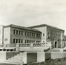 "Image of 1929-30 Inlow Hall 2 - ""Eastern Oregon Normal School"" Inlow Hall"