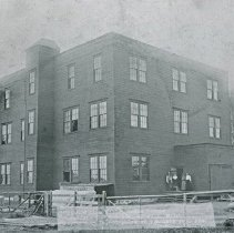 """Image of Union Woolen Mill - """"Union Wollen [Woolen] Mills, Union Oregon.  Capacity 350,000 lbs. per. year. 30,000 pair of blankets per. year. - circa 1904""""  [For information about the Union Woolen Mill, see:  Chapter X (pages 179-198) of """"Later Woolen Mills in Oregon"""" by Alfred L. Lomax.]"""