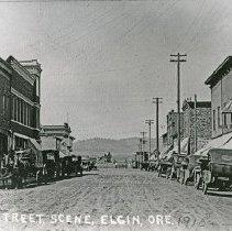 """Image of Elgin, Street Scene 2 - """"Street scene in Elgin, Ore. - 1916"""""""