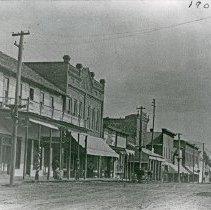 "Image of Elgin, Street Scene 3 - ""OR. 7 Street scene in Elgin, Ore. - 1905-6.  Hotel Elgin is shown on the far left.  The same building housed the Elgin Stage Co."""