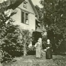 """Image of Union Home, Gales - """"Mrs. Gales' home with her mother and Miss Bell standing in the front yard."""""""