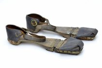Image of 972.256.1(A&B) - Clogs