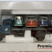 Image of Premium ClassiXXS 1:43 BMW truck with Isettas