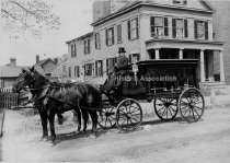 Image of 494 Chestnut Street with horse drawn Hearse in front - 1917. - 1949.037.005